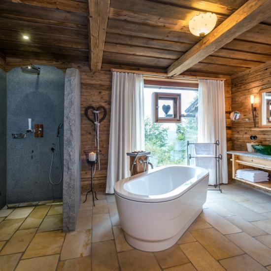 Bayerwaldresort Hüttenhof - Luxus-Chalets - Waldbauer Hotel- und Gastroeinrichtungen-3