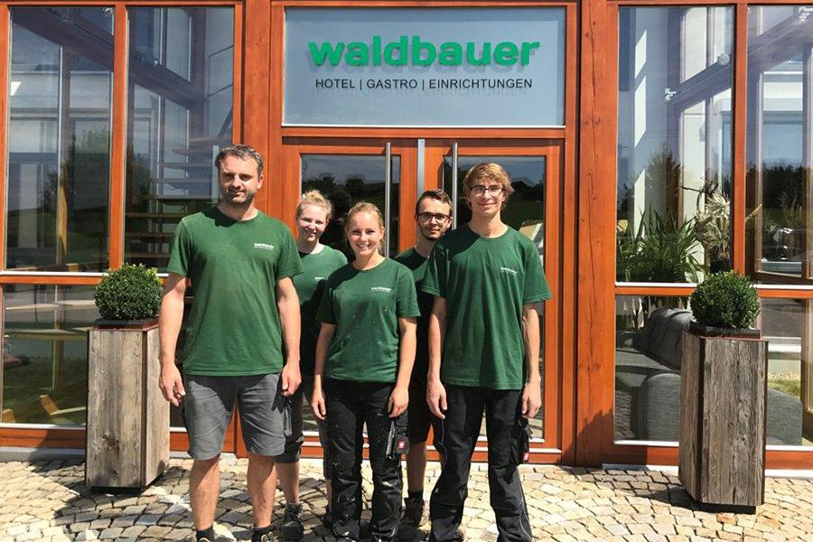 Waldbauer begrüßt neue Lehrlinge 2017