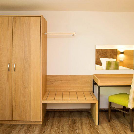 Hotelzimmer Zur Post Erlau - Waldbauer Hoteleinrichtungen 004
