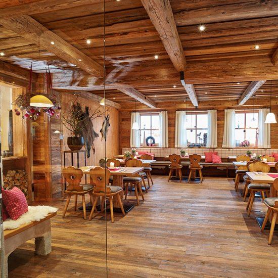Gasthaus Zum Streiblwirt - Altholz-Bauernstube von Waldbauer Gastroeinrichtungen