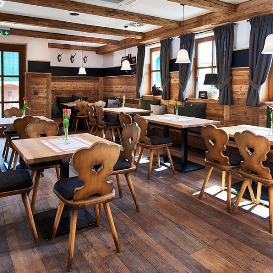 Gasthaus Zum Streiblwirt - Kleines Altholz-Stüberl von Waldbauer Gastroeinrichtungen