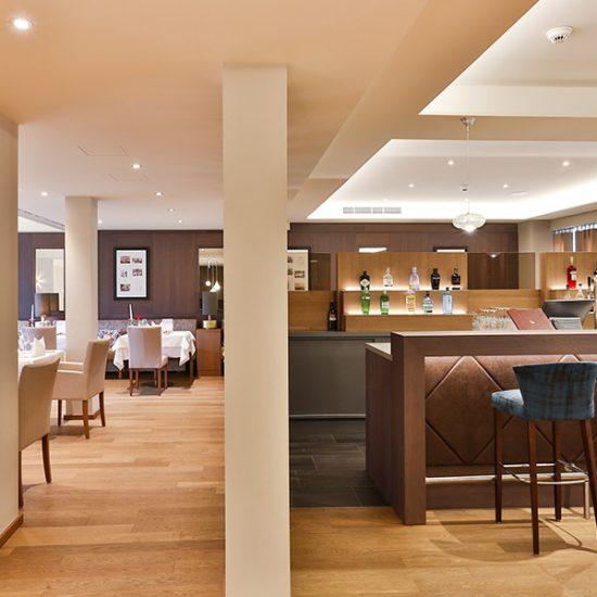 hotel-holzapfel-restaurant-04-raus