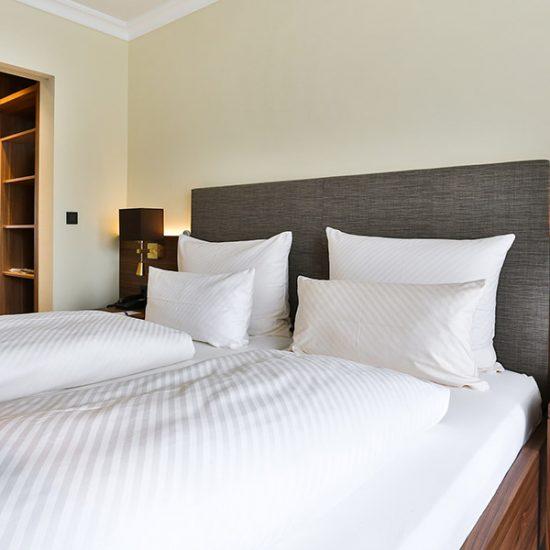 hoteleinrichtung-holzapfel-waldbauer-zimmer-006