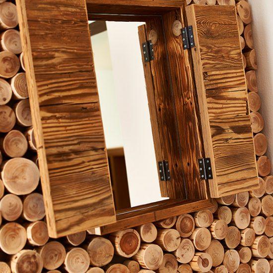 Detail-Holzfenster-Waldbauer-Hoteleinrichtung