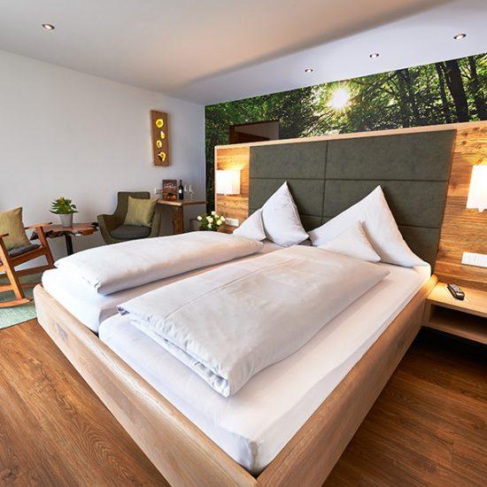 Waldbauer-Hoteleinrichtung-Zimmer-NaturZeit