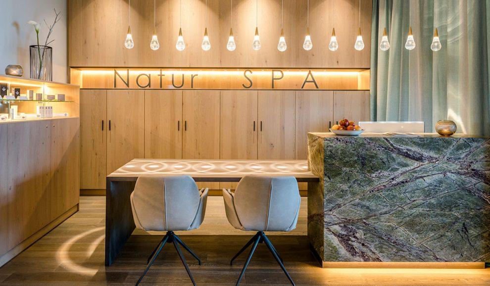 Beleuchtung mit stilvollen Lampen - Waldbauer Hotel- und Gastroeinrichtung