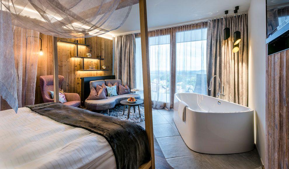 Hoteleinrichtungen aus dem Bayerischen Wald von Waldbauer | Hotelsuite Bayerwaldresort Hüttenhof