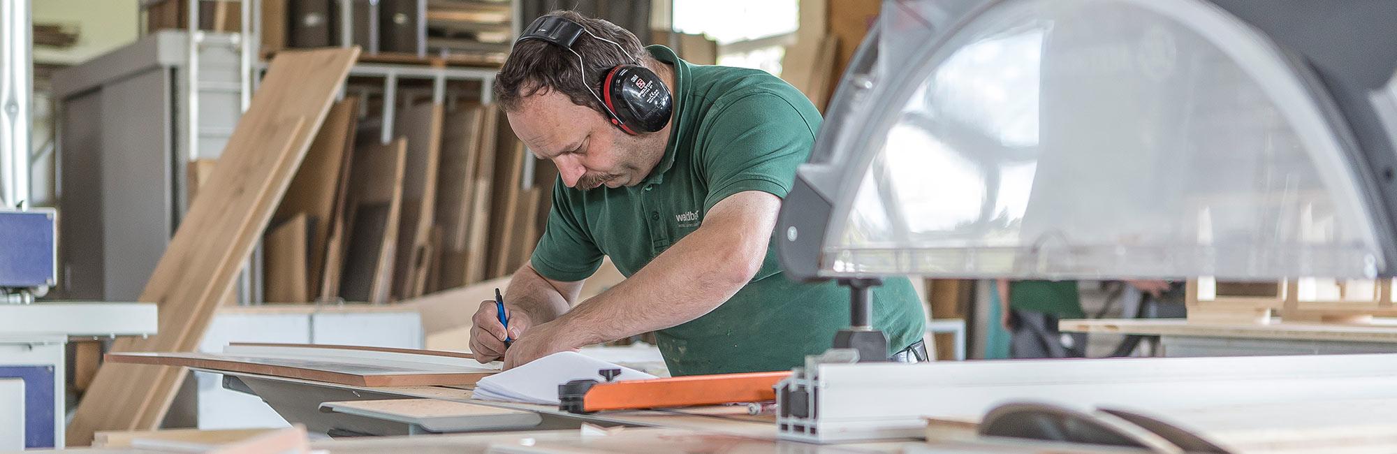Jobangebote für Schreiner, Planer, Bauleiter, Entwurfszeichner, Innenarchtitekten uvm. | Waldbauer
