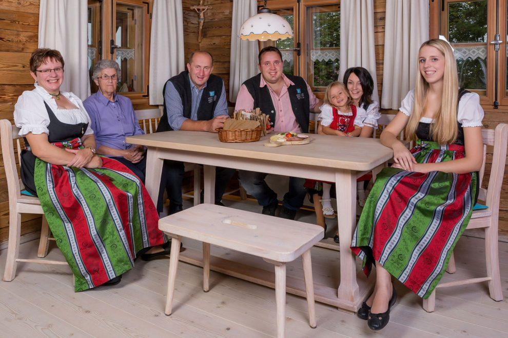 Waldbauer-Kundenstimme Familie Paster, Bayerwaldresort Hüttenhof