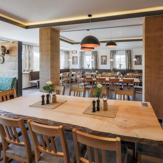 Gasthaus Klessinger - Saal | Waldbauer Hotel- und Gastroeinrichtungen