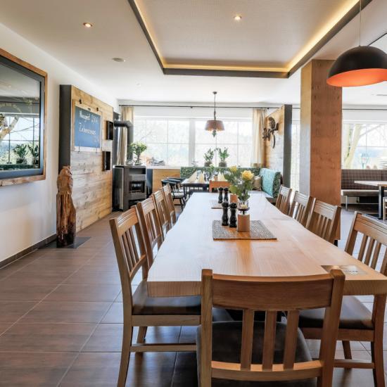 Gasthaus Klessinger - Saal 02 | Waldbauer Hotel- und Gastroeinrichtungen