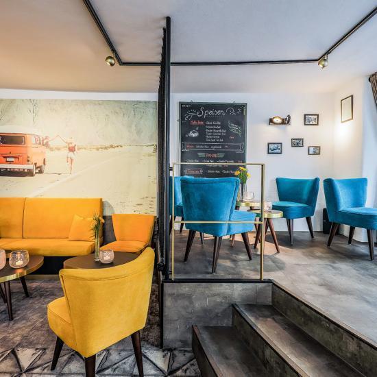 Café Emotions mit ACADEMY Fahrschule in Passau - Gastraum | Waldbauer