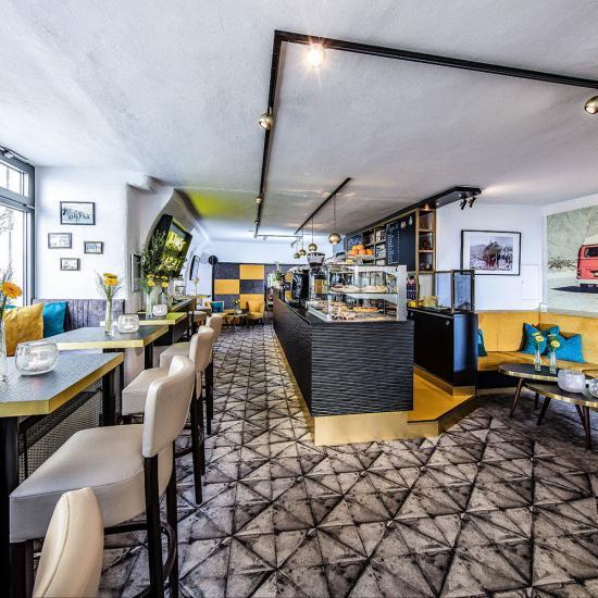 Café Emotions mit Fahrschule in Passau | Waldbauer Gastroeinrichtungen