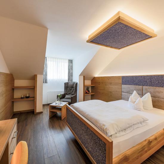 Urlaubshotel Binder in Büchlberg - Einzelzimmer | Waldbauer Hoteleinrichtung