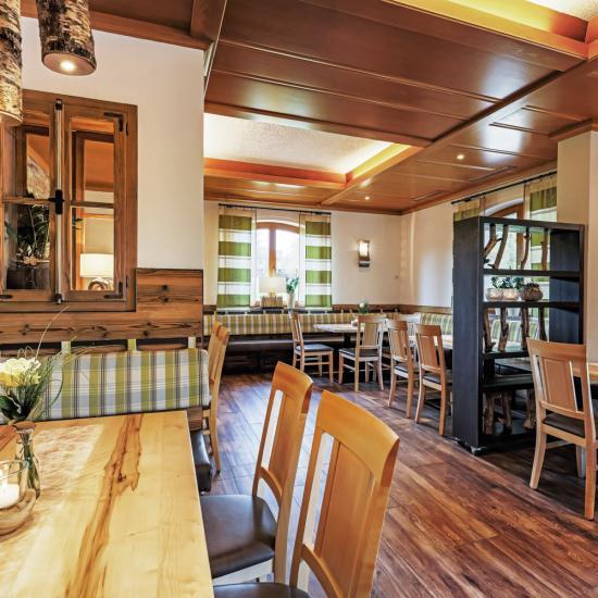 Gastraum der Kirchberger Stubn - Waldbauer Gastroeinrichtungen