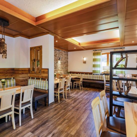 Blick in den Gastraum der Kirchberger Stubn - Waldbauer Gastroeinrichtungen