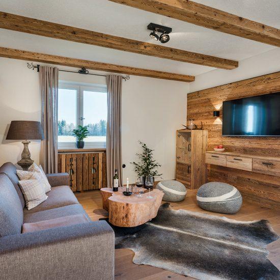 Hussnhof Ferienwohnungen Wohnbereich | Waldbauer Hotel- und Gastroeinrichtungen
