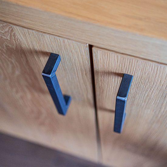 Optional: Anrichte mit aufgesetzter, beleuchteter Deko-Nische | Detail